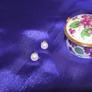 Jewelry - Sterling Silver (925) Pearl Stud Earrings